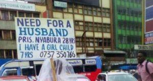 Une kényanne cherche mari dans les rues