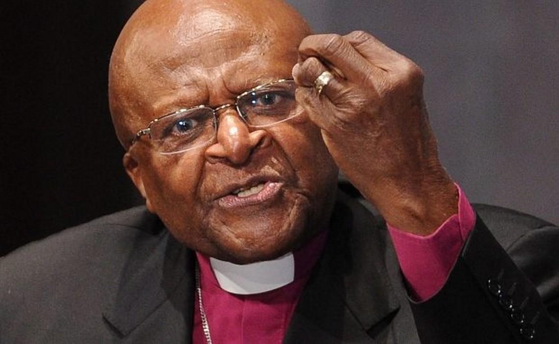 Après Baba Maal, Desmond Tutu démissionne — Scandale Oxfam