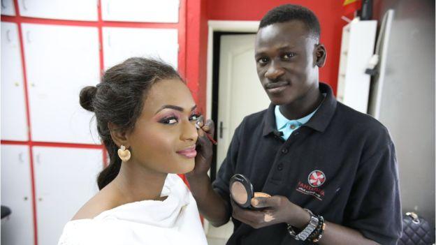 Sénégal: Ass Malick Faye et sa passion pour le maquillage ...