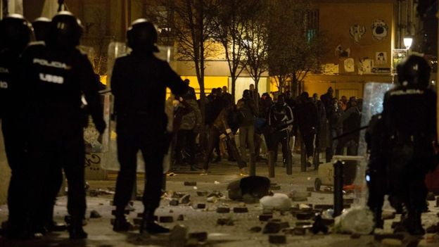 La mort d'un vendeur ambulant sénégalais déclenche plusieurs émeutes — Madrid