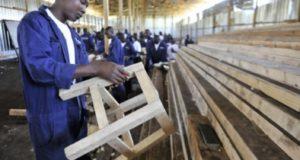 atelier travail stage emploi bois formation usine industrie manufacture